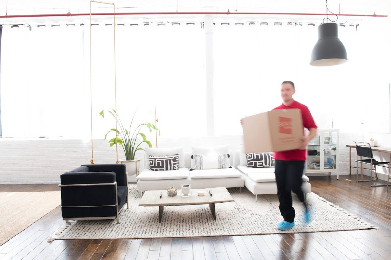 What You Need to Know Before Hiring Commercial Movers in NYC